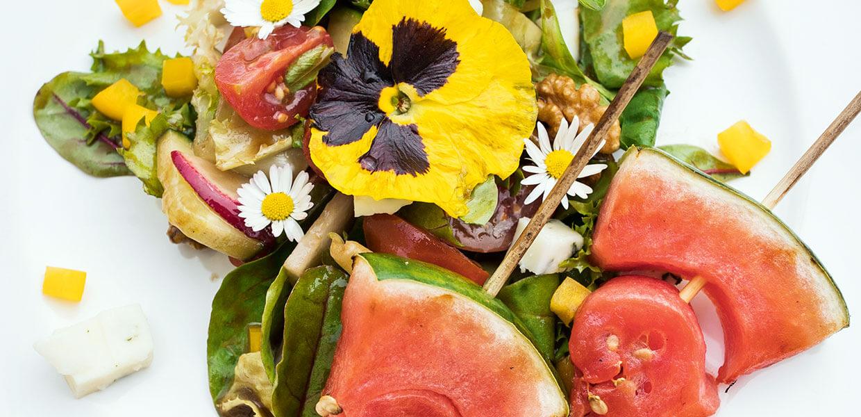 Salat mit gegrillter Wassermelone & Schafkäse