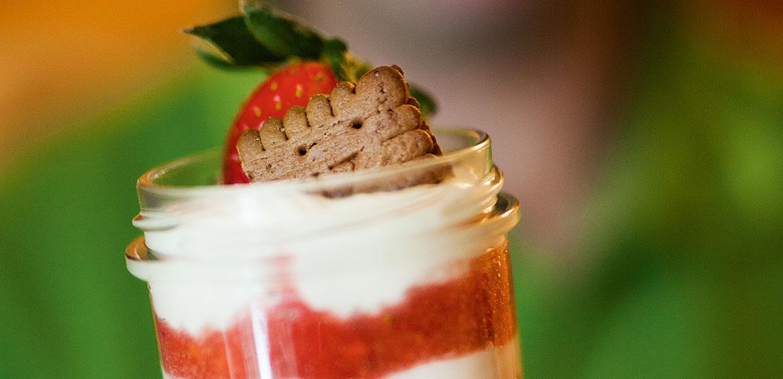 Erdbeer-Mascarpone im Glas