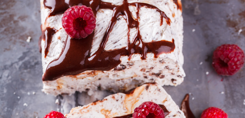 Semifreddo mit Milchcreme & Schokolade