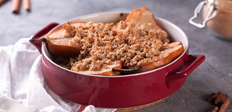 Birnen-Crumble mit Beeren