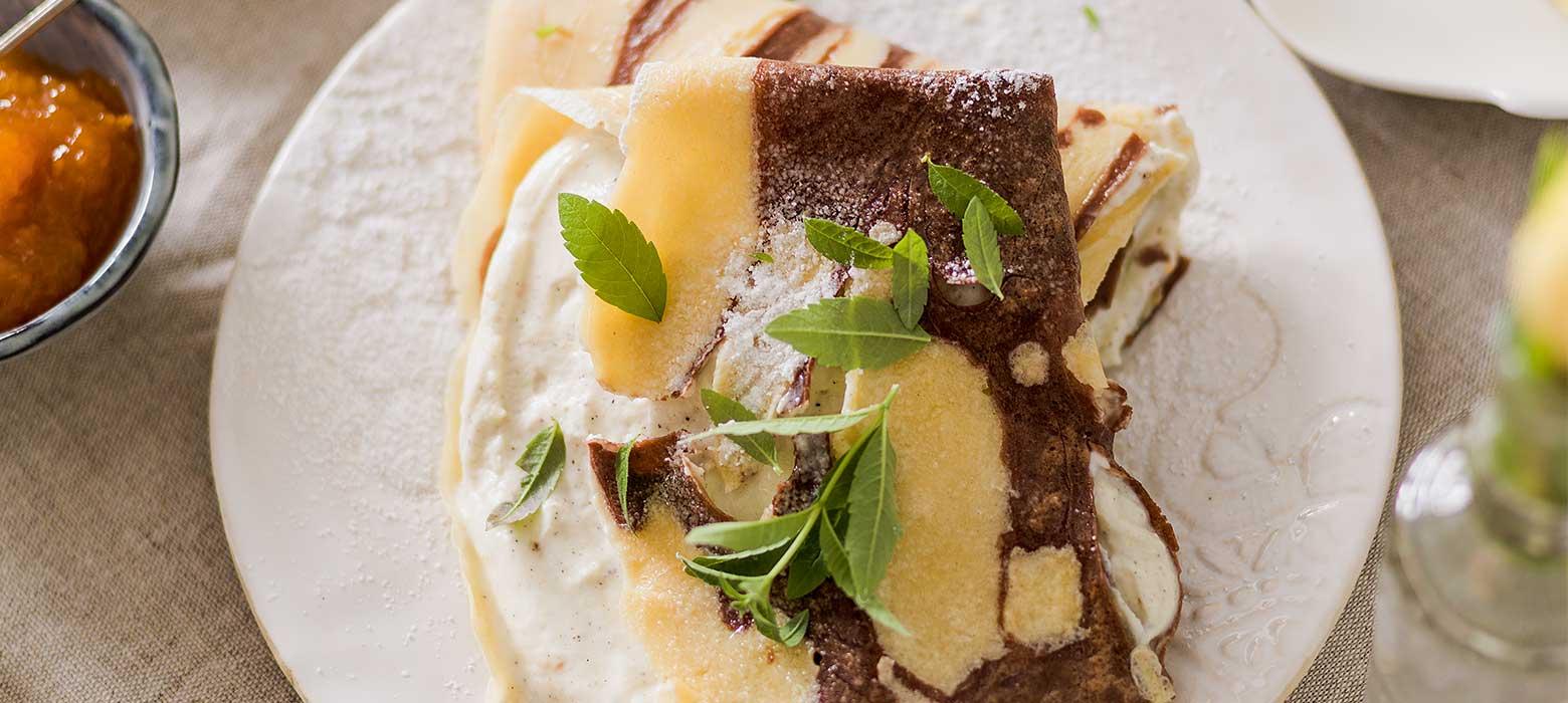 Marmorpalatschinken mit Vanille-Topfen Creme