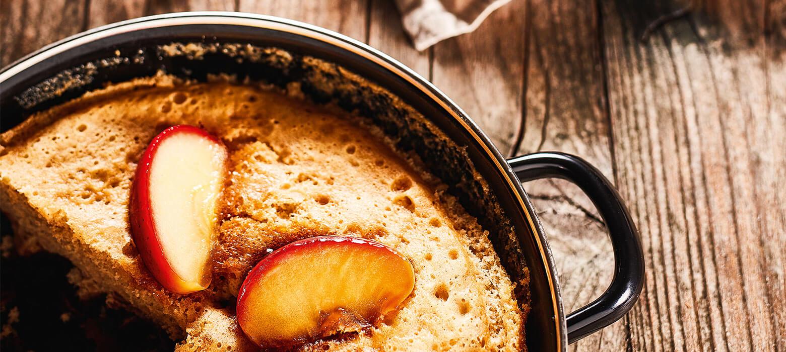 Karamellisierter Apfel-Zimt-Kuchen