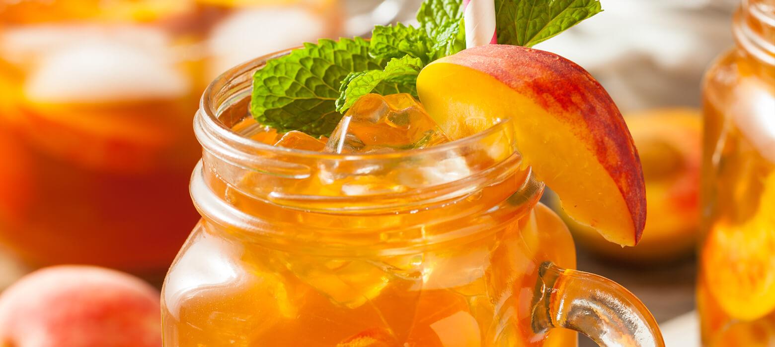 Detoxwasser mit Pfirsich, Zitrone & Thymian