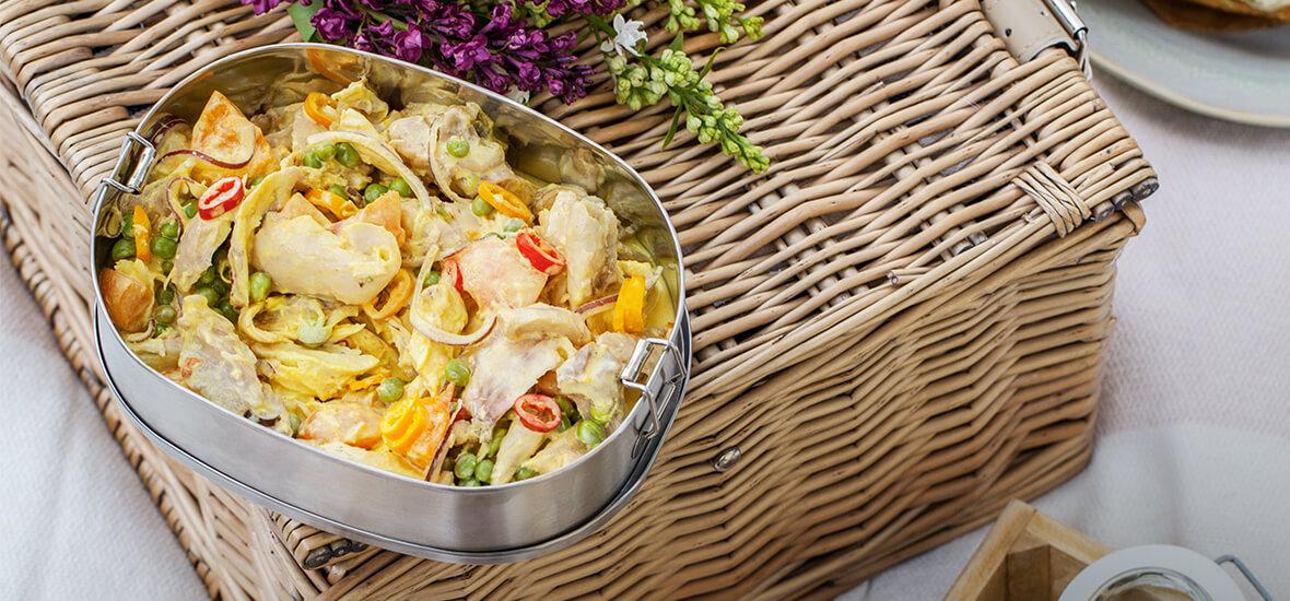 Gezupfter Hendlsalat mit Curry & Marille