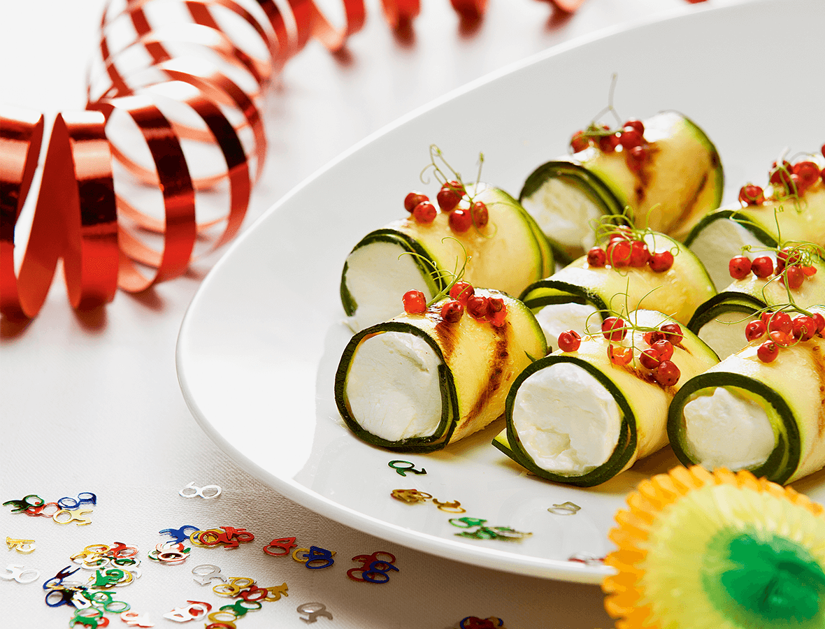 Gegrillte Zucchiniröllchen mit Ziegenfrischkäse