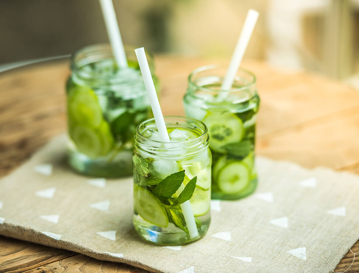 Sommerliche Gurken-Basilikum-Limo