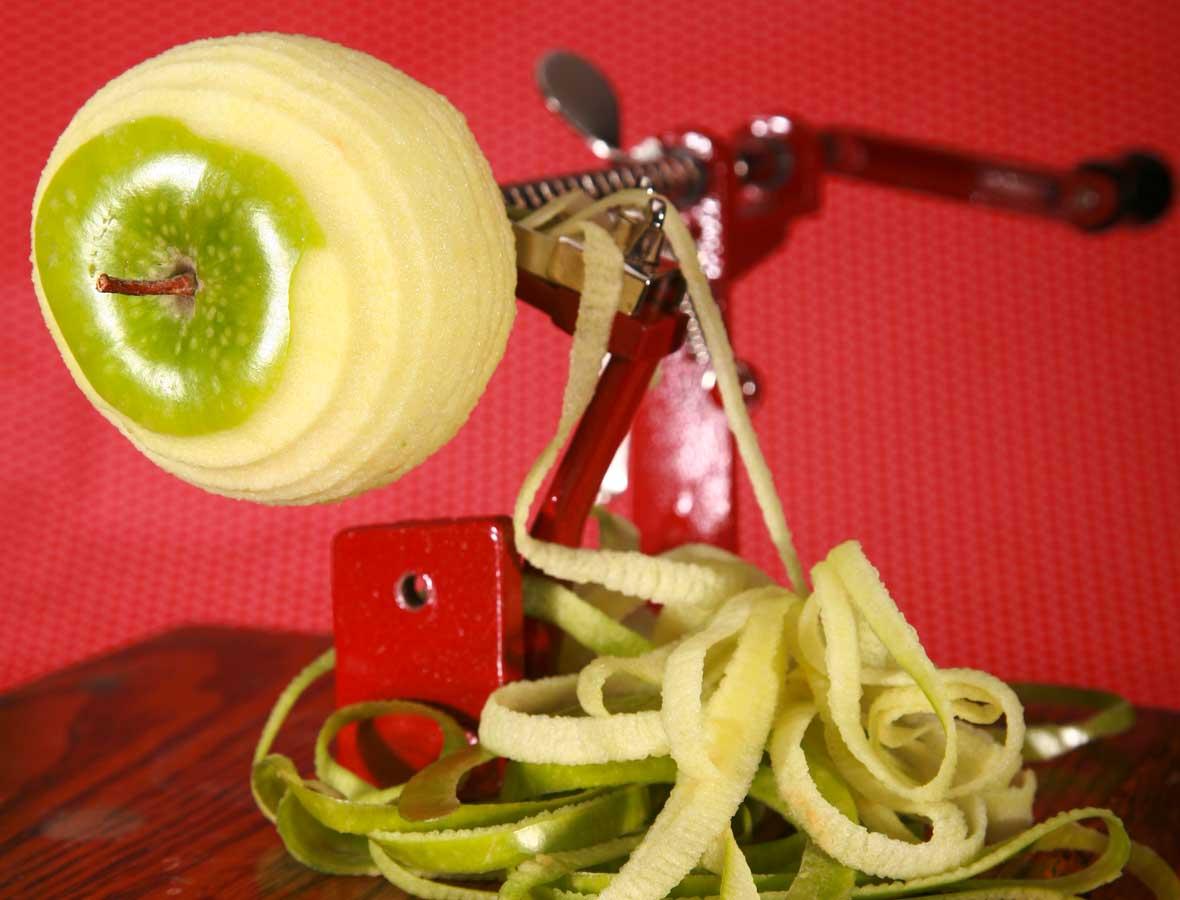 Kohlrabi-Apfel-Spiralen mit Ziegenkäse, Walnüssen und Cranberrys